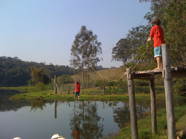 tirolesa-parap-criancas-na-fazenda-paraiso